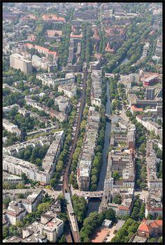 Hamburg. Der Isebekkanal mit der Isestraße und der Hochbahnlinie U3 - Foto Prachtvoll - Bilder und Fotos aus Hamburg