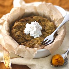 Vegan Pumpkin Microwave Cake This rich, moist cake is actually fairly wholesome and has 5.5 grams of fiber thanks to flaxseed and oat flour.  Ingredients: 2 teaspoons ground flaxseed 3 1/2 tablespoons unsweetened almond milk 3 1/2 tablespoons 100% pure pumpkin puree 1/2 teaspoon apple pie spice or cinnamon 2 to 4 teaspoons sugar to taste 1 dash teaspoon salt 1/3 cup oat flour or all-purpose flour 1/4 teaspoon baking powder