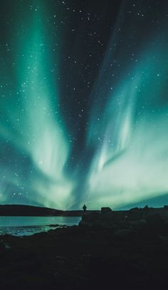 The Best Lightroom Presets for Northern Lights Photography (Aurora Borealis). Id… The Best Lightroom Presets for Northern Lights Photography (Aurora Borealis). Ideal for photos taken [. Landscape Photography Tips, Light Photography, Travel Photography, Backpacking Canada, Canada Travel, Canada Canada, Northern Lights Canada, Northern Lights Wallpaper, Northen Lights