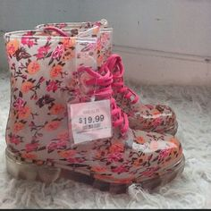Never Worn Floral Rain Shoes Tags are still on. Perfect for muddy hiking or traveling to a rainy place. BONGO Shoes Winter & Rain Boots