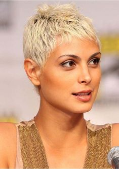 Latest Pixie Haircut Styles for Women to Wear in 2020 Cute Pixie Haircuts, Pixie Haircut Styles, Latest Short Haircuts, Haircut Styles For Women, Latest Hairstyles, Hair Styles, Pixie Styles, Short Styles, Short Sassy Hair