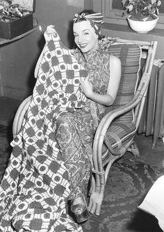 I wonder if she made this quilt? She looks amazing even in her do-rag! Vintage Glam, Vintage Hollywood, Classic Hollywood, Carmen Miranda, Hooray For Hollywood, Golden Age Of Hollywood, Brazilian Samba, Outfits With Hats, Actors & Actresses