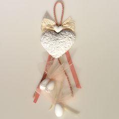 Μπομπονιέρα γάμου αρωματική καρδιά κρεμαστή ιβουάρ-σάπιο μήλο