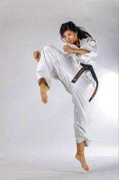Karate martial arts kyokushinkai masutatsu oyama japanese kick japan parkour kung fu martial arts free running feiyue m4hsunfo