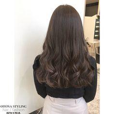Korean Wavy Hair, Korean Hair Color, Blonde Hair For Brunettes, Ash Blonde Hair, Long Curly Hair, Curly Hair Styles, Haircuts Straight Hair, Ulzzang Hair, Bridal Hair Buns