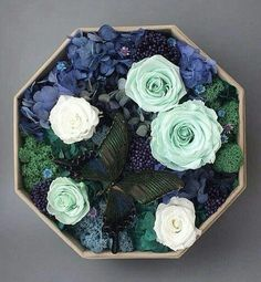 * Amazing Flowers, Love Flowers, Dried Flowers, Flower Box Gift, Flower Boxes, Preserved Roses, Mothers Day Flowers, How To Preserve Flowers, Flower Decorations