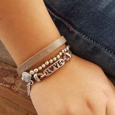 Ook voor de kleine dames hebben we armbandjes in de webshop, leuke stoere armbandjes. https://www.mgssieraden.nl/c-797070/meisjes/