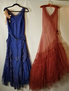 2 Antique Silk Net Dress, Vintage Tulle Gown, Blue with Silk Slip 1930s Fashion, Moda Fashion, Timeless Fashion, Retro Fashion, Vintage Fashion, Vintage Gowns, Dress Vintage, Vintage Outfits, Flapper
