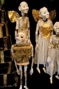 Julia Zanes puppets - I don't know if we could pull this off, but for the wizard this would be awesome! Puppets For Sale, Master Of Puppets, Marionette Puppet, Puppet Making, Puppet Show, Toy Theatre, Shadow Puppets, Creepy Dolls, Pinocchio