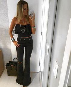 WEBSTA @ dani__cardoso - E quem disse que nao se usa preto no verão???☺️☺️ Continua sendo a minha cor favorita independente da estação!!!✔️✔️ E esse look deuuuso é todinho da @esmeral_oficial 😍😍😍 Esse cropped é de renda!! Mara!! E a calça não preciso nem dizer né???❤️❤️❤️ #danicardoso®