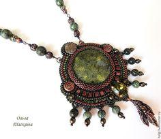 """Купить Кулон """"Амазония"""" - оливковый, темно-зеленый, бронзово-зеленый, кулон сщ змеевиком, змеевик"""