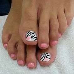 40 toe nail art designs to keep up with trends 014 Pretty Pedicures, Pretty Toe Nails, Cute Toe Nails, Fancy Nails, Pink Nails, Zebra Nails, Toenail Art Designs, Pedicure Designs, Pedicure Nail Art