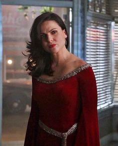 Regina looking fabulous