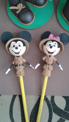fofulapiz mickey, minnie safari Minnie Safari, Ely, Clock, Decor, Hipster Stuff, Watch, Decoration, Clocks, Decorating