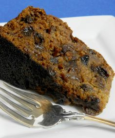 Applesauce Raisin Cake was a staple for the holidays when I was growing up. It's dark, moist and sweet and great for dessert at brunch or dinner. Boiled Raisin Cake Recipe, Rum And Raisin Cake, Boiled Fruit Cake, Raisin Recipes, Apple Recipes, Baking Recipes, Xmas Recipes, Fall Recipes, Applesauce Cake Recipe