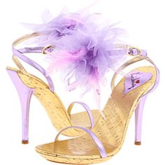 tutus for shoes... I have a few great ideas to dress up some of leilas shoes :)
