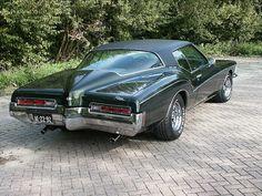 '72 Buick Riviera boat tail