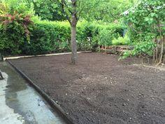 Geschafft! Die Basis für einen Rasen ohne Girsch und Löwenzahn ist fertig!