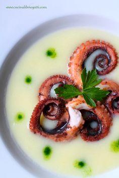 Octopus salad with potato cream and parsley chlorophyll - Insalata di polpo con crema di patate e clorofilla al prezzemolo - www.cucinalibriegatti.com