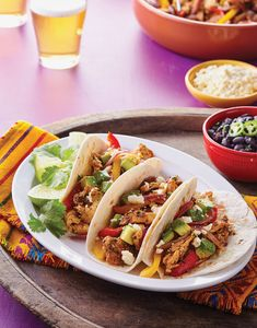 These Chicken Fajita Tacos feature a zesty marinade, while the red onion and bell peppers add flavor and nutrition. A sprinkling of salty cheese and creamy avocado finishes these beauties just right. Mexican Food Recipes, Dinner Recipes, Ethnic Recipes, Baked Ham With Pineapple, Chipotle In Adobo Sauce, Chop Suey, Chicken Fajitas, Fresh Garlic, Food Print