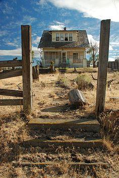 abandoned Oregon homestead.