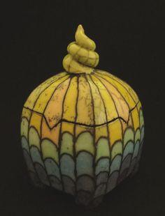 Ceramic Boxes, Ceramic Vase, Ceramic Pottery, Vases, Clay Box, Pottery Wheel, Pottery Designs, Ceramic Design, Jar Lids