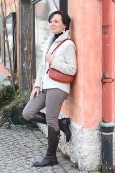Sportlicher Wochenend Look mit Lederstiefeln | Lady of Style