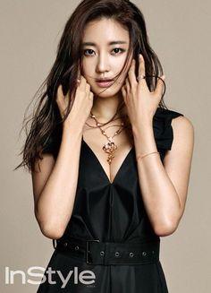 Kim sa rang poses for instyle magazine Korean Beauty, Asian Beauty, Asian Models Female, Artists And Models, Aesthetic People, Instyle Magazine, Photo Composition, How To Pose, Korean Model
