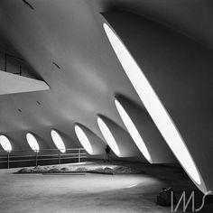 Edifício da Oca em construção, 1954. Parque do Ibirapuera, São Paulo - SP. Foto de Chico Albuquerque / acervo IMS.