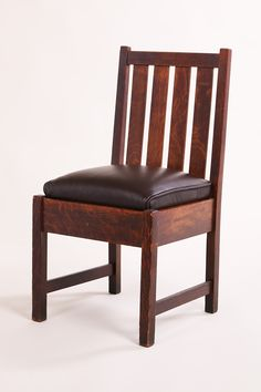 Superbe Gustav Stickley Vanity Side Chair. Signed. Excellent Original Finish.  32.5u2033h X 17