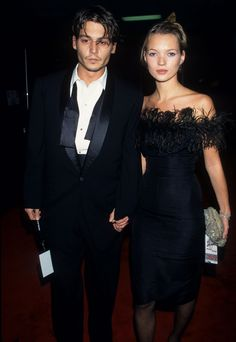 Johnny Depp et Kate Moss à la soirée Sinatra: 80 Years My Way' Birthday Celebration au Shrine Auditorium de Los Angeles, le 19 novembre 1995