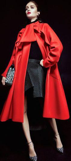 New York Millionairess | Dior | #highfashion #inspiration #moderndesign luxury design, luxury, fashion. Visit www.memoir.pt