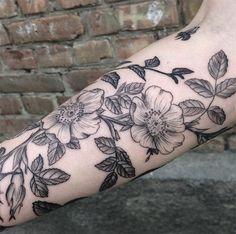 tatuagens botânicas mary Tereshchenko