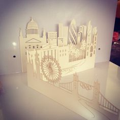 <p>laser-cut+paper+art+by+ARTYMISS</p>