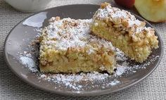 Τώρα που τα μήλα είναι στην εποχή τους, μια λαχταριστή μηλόπιτα είναι η πιο γλυκιά ιδέα για όλη την οικογένεια! 3 φλυτζάνια αλεύρι 2 βανίλιες 1 μεγάλο...