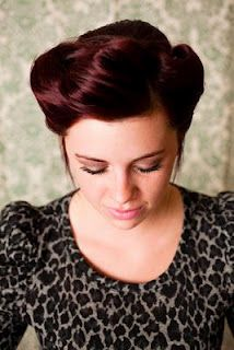 Vintage updo.. That color <3