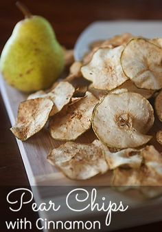 Pear Chips with Cinnamon – Frugal Living Mom Want a light snack or dessert? These Pear Chips with cinnamon are super yummy and easy to make healthy Pear Recipes, Fruit Recipes, Real Food Recipes, Snack Recipes, Cooking Recipes, Healthy Recipes, Jelly Recipes, Pyrus, Tasty