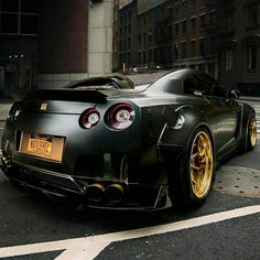 Nissan GT-R by Liberty Walk Z_litwhips