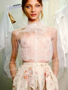 In Love with this outfit. Anna Selezneva backstage at Valentino Haute Couture, Spring 2012 Couture Fashion, Runway Fashion, High Fashion, Fashion Beauty, Fashion Show, Womens Fashion, Looks Street Style, Fashion Details, Fashion Design