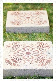 Garden Landscaping Rectangle Use a stencil and outdoor spray paint to transform boring paver stones into a one of a kind walkway or patio. Magic Garden, Dream Garden, Garden Crafts, Garden Projects, Garden Ideas, Patio Ideas, Easy Garden, Backyard Ideas, Outdoor Spray Paint