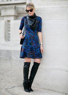 Usa tus vestidos de verano en otoño invierno! acondicionalos con un par de botas y pashmina!