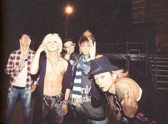 vamps v pose Flower Boys, Photo Book, Rock Bands, Rock N Roll, Hot Guys, Hot Men, Eye Candy, Singer, Japan