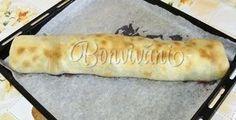Myslím, že toto štrúdľové cesto je najlepšie, aké som kedy robila, lebo vždy sa každému vydarí. Je to veľmi starý recept, tak skúste :) Hot Dog Buns, Hot Dogs, Bread, Chicken, Cake, Hampers, Brot, Kuchen, Baking