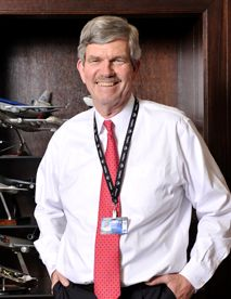 Larry Cox Will Step Down From Airport Authority In January