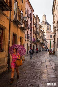Paseando por las calles de Salamanca Visita a Salamanca ciudad Patrimonio de la Humanidad. Castilla y León España Salamanca, la ciudad por la que no pasa el tiempo  #CastillayLeon #Spain