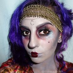 This mystical #Halloween makeup idea is perfect for Fortune-Tellers or Gyspys