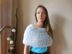 Hand Knitted Shawl. Faux Fur Wedding Wrap. Bridal Capelet.
