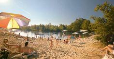 Zabudnite na dovolenku pri mori. Na týchto 8 miestach na Slovensku sa okúpete na pieskovej pláži | interez.sk Dolores Park, Sweet Home, Patio, Outdoor Decor, Travel, Viajes, House Beautiful, Destinations, Traveling