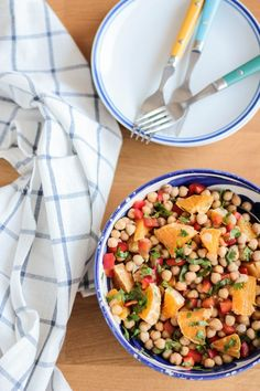 salade de pois chiches aux poivrons orange et coriandre - chick pea salad with peppers and cilantro
