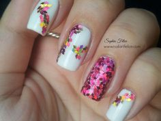 Nail Art Glitter Placement: unghie effetto mosaico